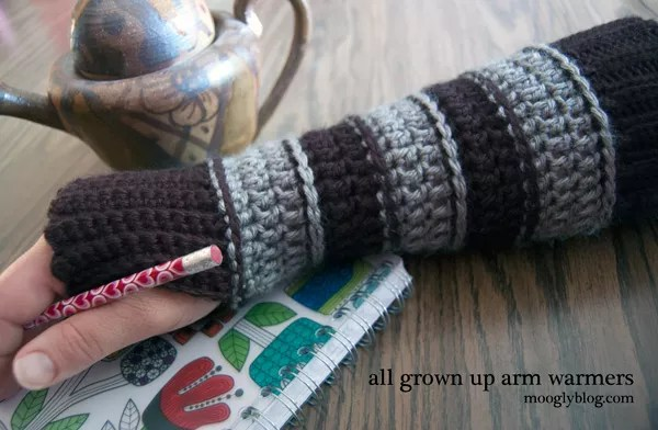 All Grown up Arm Warmers-FREE Crochet Fingerless Mitts by Moogly
