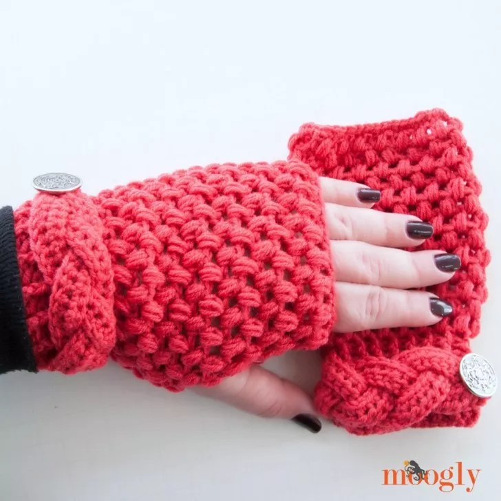 Madly in Love Mitts Designed by Moogly-FREE Crochet Fingerless Mitts pattern