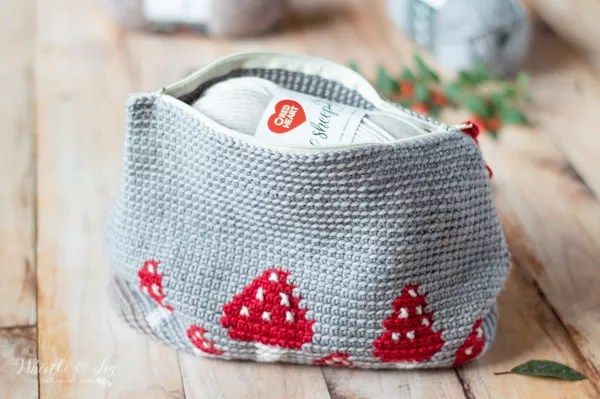 Whistle & Ivy-Mushroom Clutch-Chic Sheep Yarn-Chic Sheep FREE Patterns