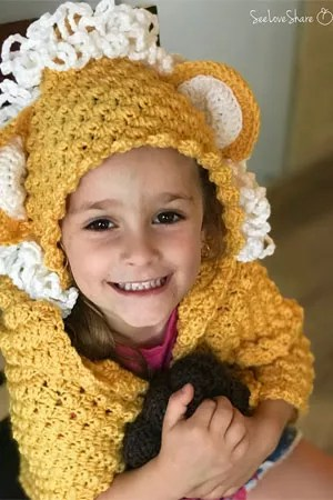 Love Share- Geometric Lion Wrap-Chic Sheep Yarn-Chic Sheep FREE Patterns