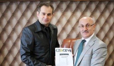 Sanatçı Akif Yener, MÜSİAD'ı ziyaret etti