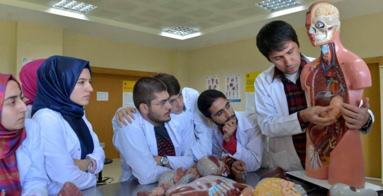 Akdemir 'Tıp Eğitiminde Kaliteyi Yakaladık'