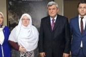 Karaosmanoğlu, ''Zeynep Başkan herkese örnek olmalı''