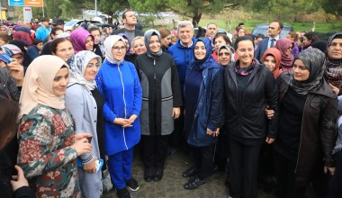 Bakan Kaya, Kocaeli'debinlerce kadınla yürüdü