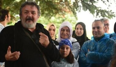 'Mandıra Filozofu' okullara da karşı