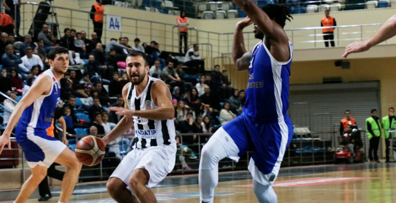 Sakarya Büyükşehir Basket evinde kazandı