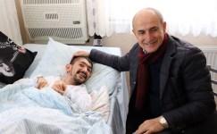 Başkan Akgün, bedensel engelli Volkan'ın yüzünü güldürdü