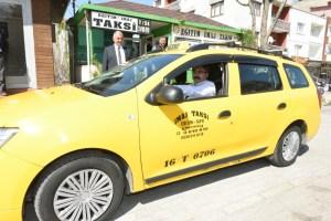 Yıldırım Belediye Başkan Adayı Oktay Yılmaz, taksi şoförü oldu, projelerini anlattı