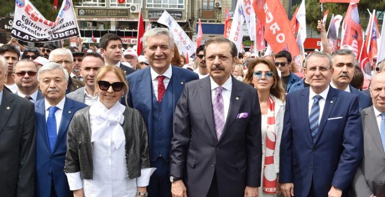 """""""19 Mayıs, esareti kabul etmeyen milletimizin varoluş mücadelesinde ilk adımdır"""""""