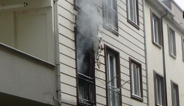 İnegöl'de yangında dumandan etkilenen çocuk hastaneye kaldırıldı