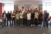 Metal işçileri satrançta şampiyon olabilmek için yarıştı