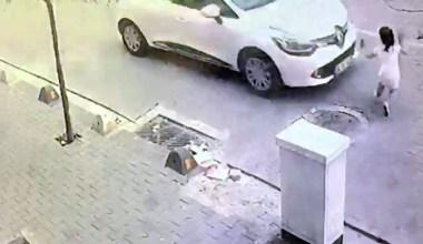 Minik kıza çarpan otomobil kızı metrelerce sürükledi