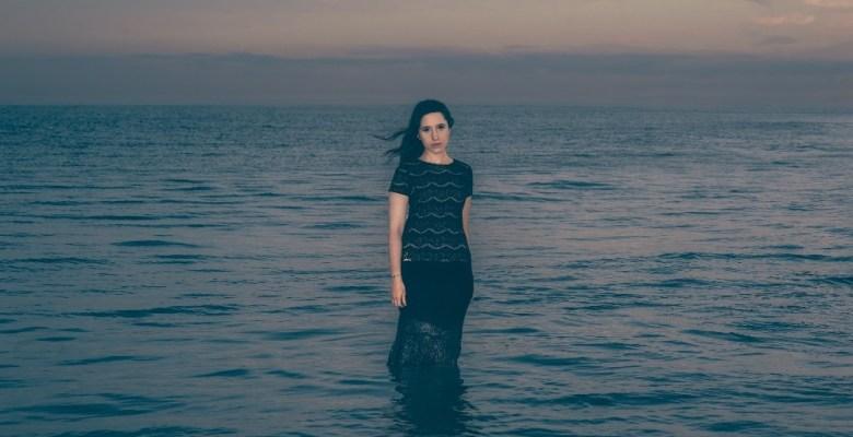 """Sırma, yeni şarkısı """"Put Your Faith In Me"""" ile dinleyicilerle buluştu"""