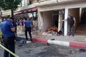 Sultanbeyli'de kamyonetin 3 yayaya çarptığı feci kaza kamerada