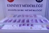 Beşiktaş'ta 1 milyon lira değerinde döviz çalan şüpheliler yakalandı