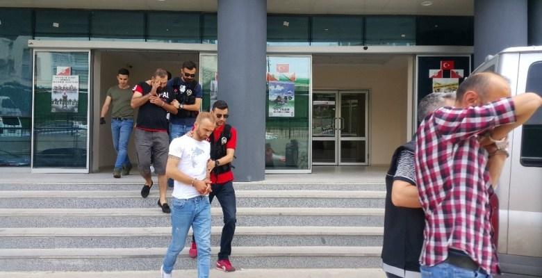 Bursa'da zehir tacirlerine operasyon:10 gözaltı
