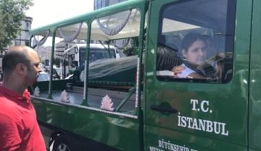 İstanbul'daki feci kazada ölen motosikletli genç kız gelinlikle uğurlandı