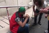 (ÖZEL) Taksim'de yüzüne tiner atılan kişi yaralandı