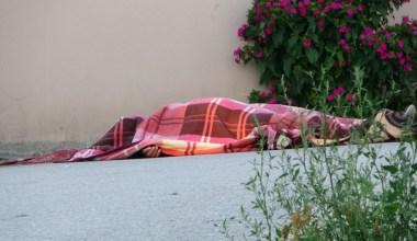 Köy meydanında dehşet 1 ölü 1 ağır yaralı