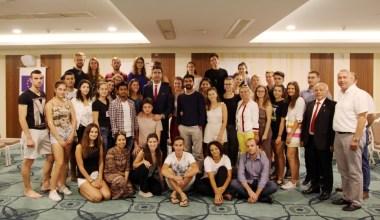 Avrupalı gençler, Kartal ile ilgili projelerini Başkan Gökhan Yüksel'e anlattı