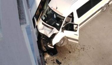 Bursa'da öğrenci servisi kaza yaptı: 4 yaralı