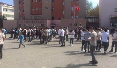 Depremin ardından kalp krizi geçiren öğretmen hayatını kaybetti
