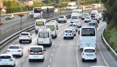 İstanbul'da yeni eğitim öğretim yılının ilk gününde trafikte yoğunluk