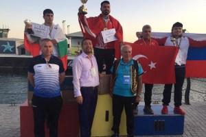 Kuşak Güreşi'ne ilk kez katılan Türk takımı rakiplerine şans vermedi