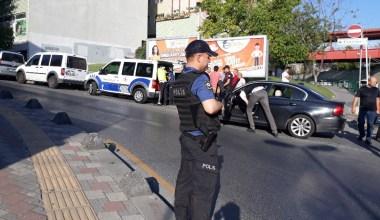 Polis ekiplerinden okul çevresinde şüpheli araç ve kişilere denetim