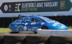 Üniversite öğrencilerinin elektrikli araçları, TEKNOFEST'te ödül alabilmek için piste çıktı
