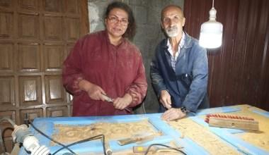 Balıkesir'de eski kapılar sanat eserine dönüşüyor
