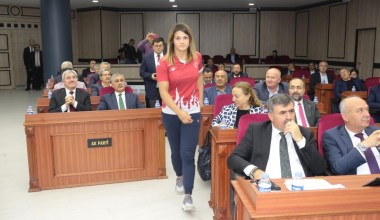 Dünya şampiyonu Büyükşehir Belediye Meclisi'nde