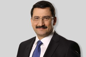 Mustafa Ak Kimdir?