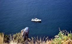 Bursa'da genç kızın denize atlayıp intihara kalkıştığı anlar kamerada