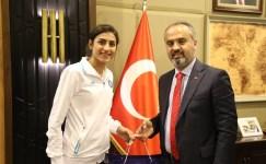 Bursa, Hatice Kübra ile olimpiyatlarda