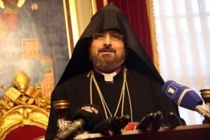 Episkopos Sahak Maşalyan 85. Türkiye Ermeni Patriği seçildi