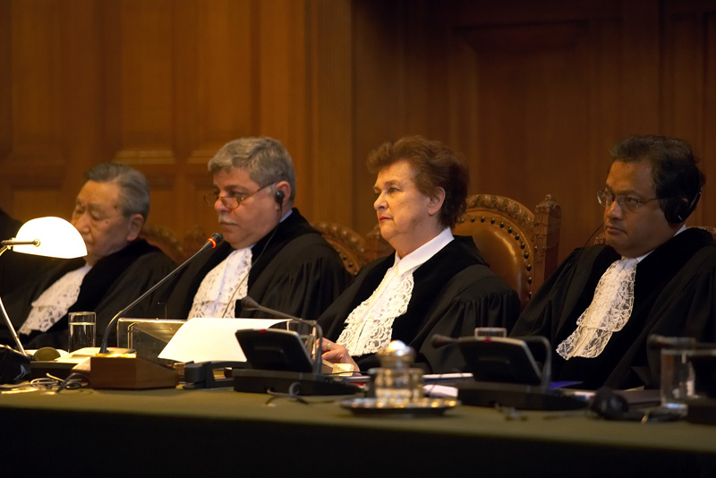Public hearings of the Court presided over by H.E. Judge Rosalyn Higgins (February/March 2006)