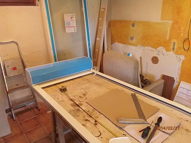Brico Depot Renovation Porte Fenetre Pvc Avec Tapee D Isolation Et Volet Roulant Exterieurs A Sangle Bernard A Realise La Renovation