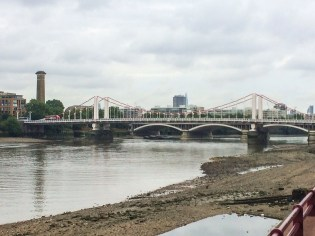 Battersea Bridge on a cloudy morning - that never happens in London