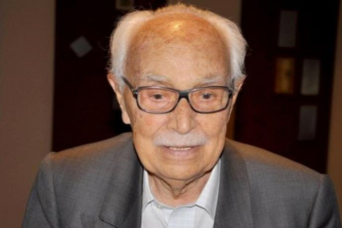 Al-Ahram: Feu Abdelkrim Ghallab, un éminent historien, écrivain et journaliste