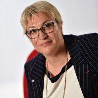 Aline Aubertin: INGÉNIEURES ? LEUR MÉTIER S'ACCORDE-T-IL AU FÉMININ ?