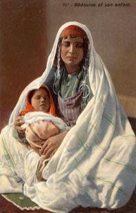 femme atlante avec son enfant 7