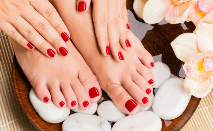 manicure & pédicure + pose vernis au choix mains et pieds