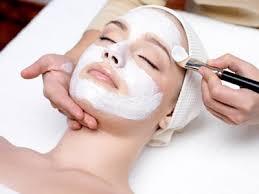 soin de visage spécifique avec des produits bio