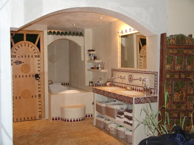 Salle De Bain Marocaine Tadelakt   Riad La Croix Berbere à ...