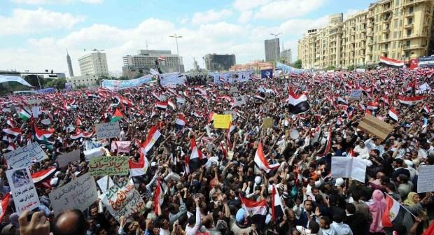مرسي يؤدي اليمين بالميدان