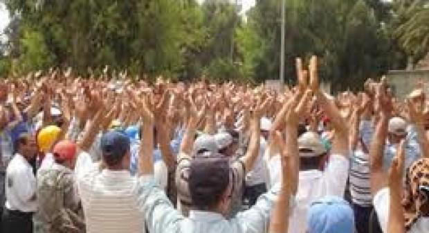 من يدفع الطبقة الشغيلة بجهة سوس لخوض إضرابات متكررة تعصف بالإنتاج المحلي و تشرد عائلتهم  ؟