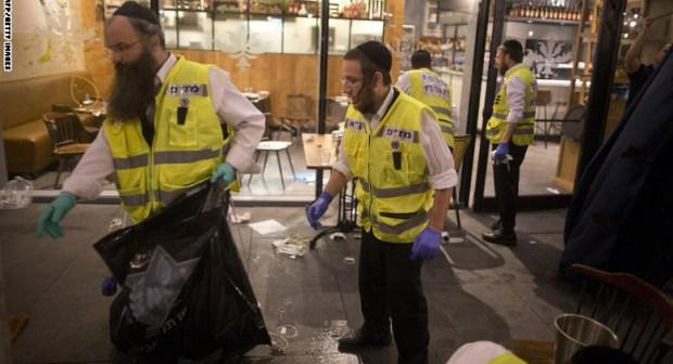 هجوم تل أبيب: حماس ترحب وإسرائيل تعاقب