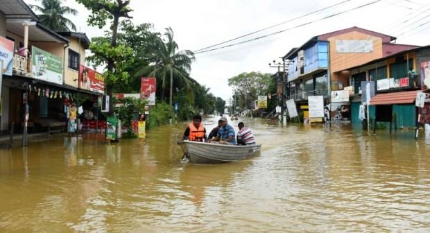 الفيضانات تقتل 146 شخصا وتهجر 500 الف في سريلانكا