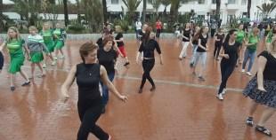 فيديوهات : فرقة رقصة ليتوانية في عرض بشاطىء اكادير مارس 2018